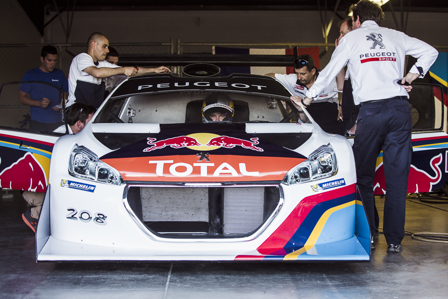 Sebastien_Loeb_and_the_Peugeot_208_T16_Pikes_Peak - Detail
