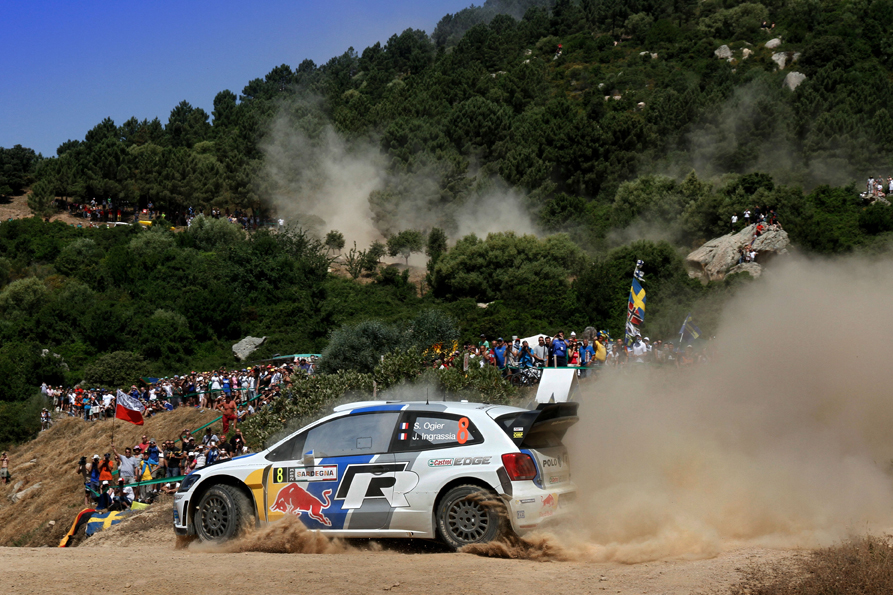 OGIER IMPLACABLE CON SU VW POLO R WRC EN LA ETAPA 1 EN CERDEÑA