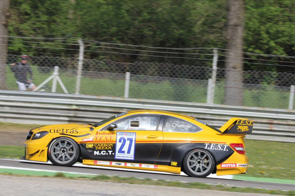 FORMIDABLE VICTORIA DE EDDIE CHEEVER EN MONZA CON LA ROMA RACING TEAM Y TOP RUN  ITALIA EN LA EUROV8SERIES 2014.