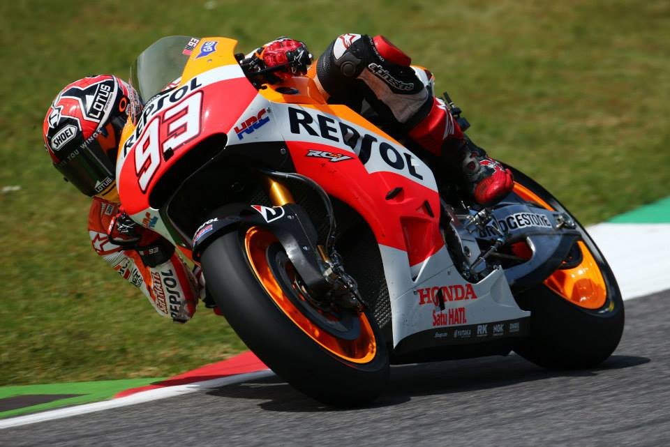 REPSOL HONDA TEAM HEAD TO THE CATHEDRAL RIDING THE CREST OF A WAVE