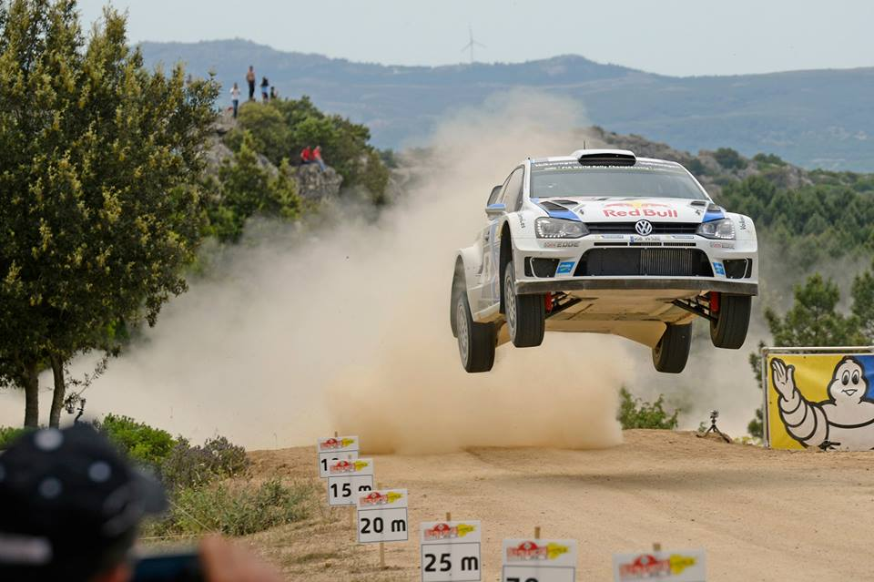 OGIER LEADS IN ITALY, THREE POLO R WRC FIGHTING FOR THE PODIUM