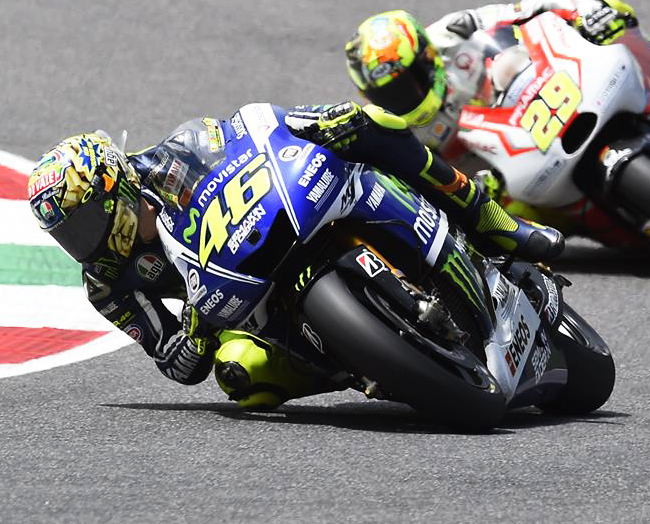 YAMAHA MOTOGP HEAD TO MONTMELO