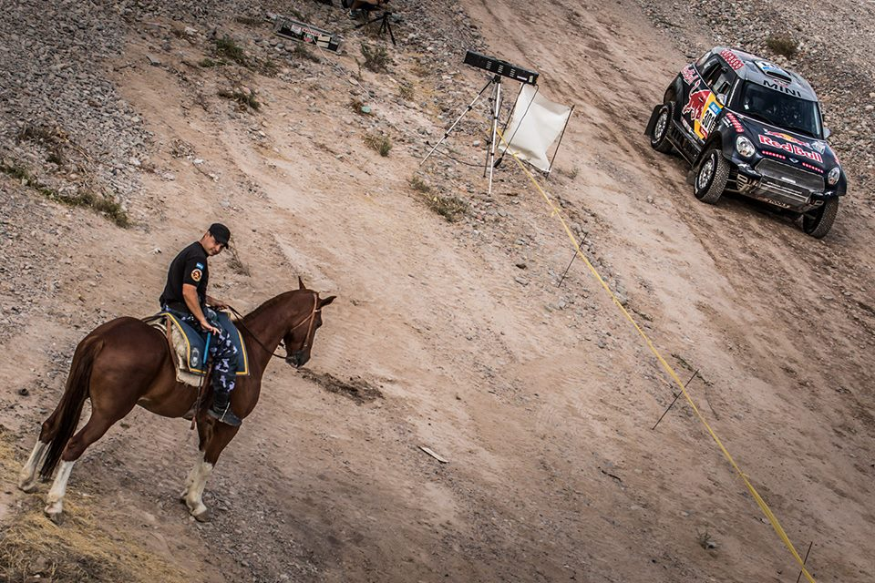 DAKAR RALLY 2015: QATAR RED BULL RALLY TEAM- AL-ATTIYAH CLIMBS HIGH ON STAGE 10