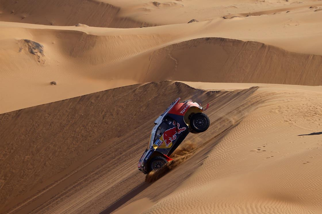 DAKAR RALLY 2015: PEUGEOT TOTAL TEAM- PETERHANSEL SHOWS THE POTENTIAL OF THE PEUGEOT 2008 DKR IN THE DAKAR DUNES