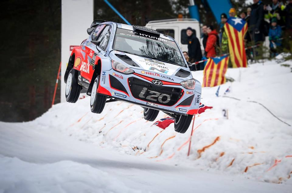 FIA WORLD RALLY CHAMPIONSHIP 2015: HYUNDAI SHELL WORLD RALLY TEAM-HYUNDAI MOTORSPORT AIMS FOR SWEDISH PODIUM AS NEUVILLE LEADS RALLY ON PENULTIMATE DAY