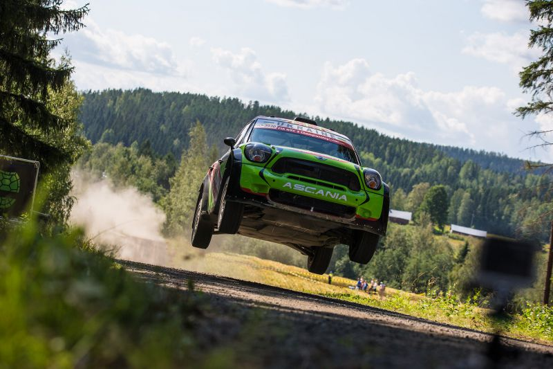FIA WORLD RALLY CHAMPIONSHIP (WRC2 – 2015): MINI EUROLAMP WORLD RALLY TEAM – RALLY FINLAND. READY TO JUMPING!