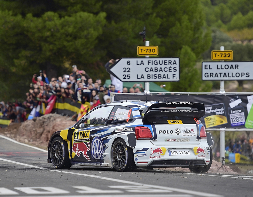 Andreas Mikkelsen (NOR), Ola Fløene (NOR) Volkswagen Polo R WRC (2015) WRC Rally Spain 2015