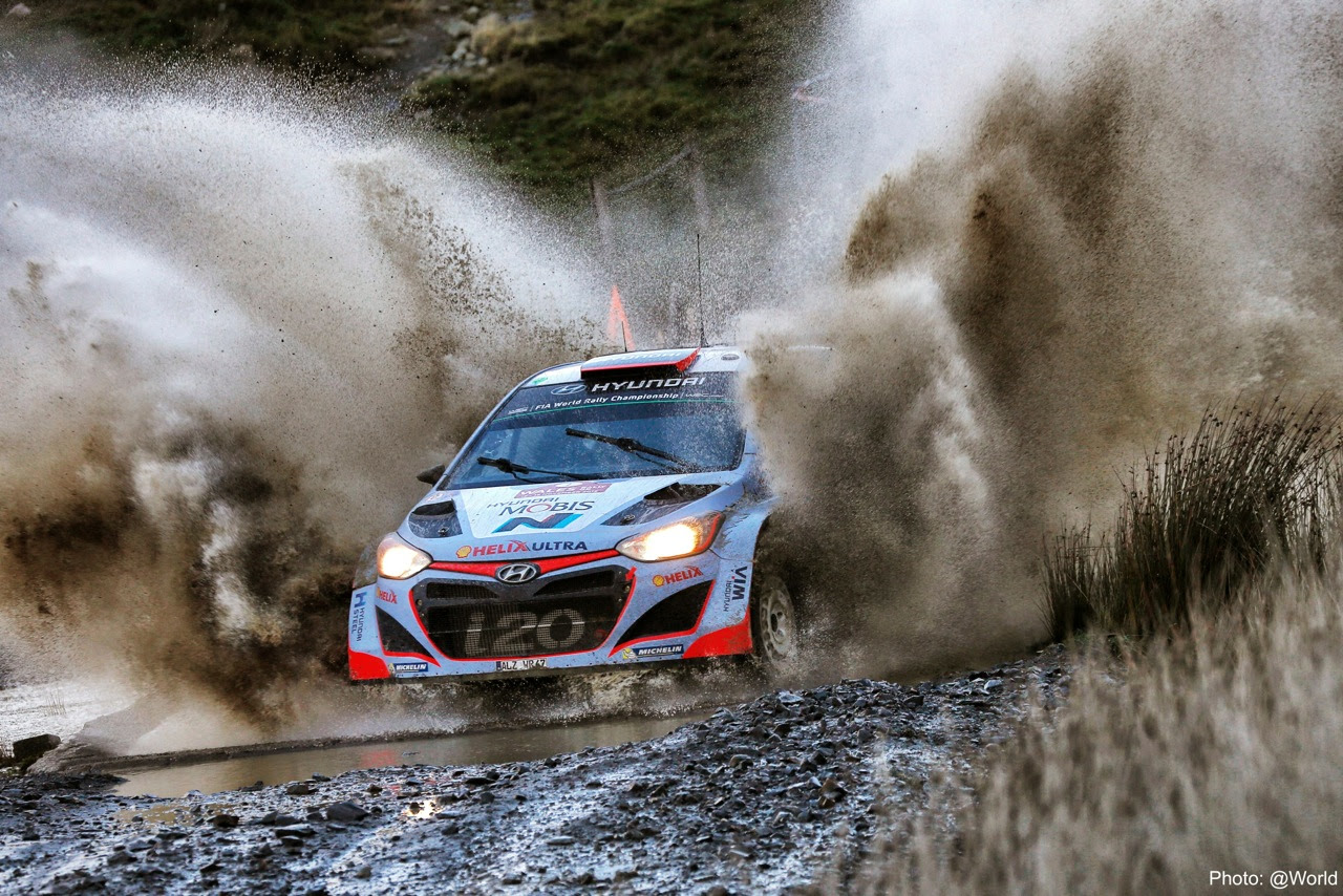 FIA WORLD RALLY CHAMPIONSHIP (WRC 2015): WALES RALLY GB – HYUNDAI SHELL WORLD RALLY TEAM – HYUNDAI MOTORSPORT STILL CHALLENGING AFTER MIXED FORTUNES ON SECOND DAY AT WALES RALLY GB