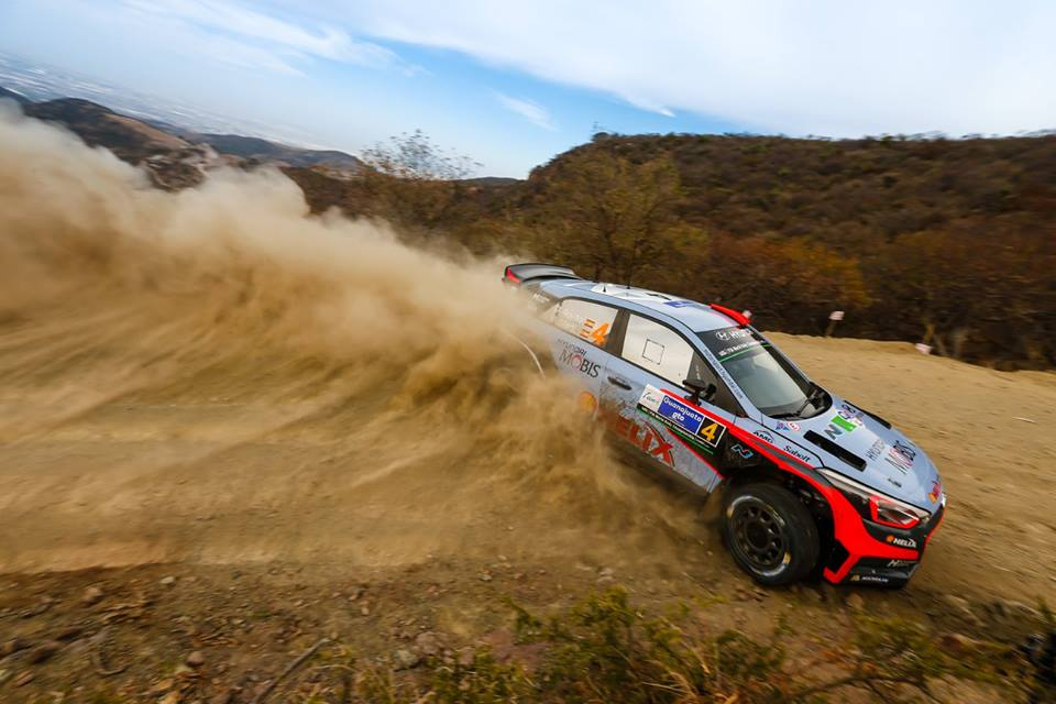 FIA WORLD RALLY CHAMPIONSHIP (WRC 2016): HYUNDAI MOTORSPORT IN PODIUM HUNT AFTER FIRST FULL DAY OF ACTION IN RALLY MEXICO