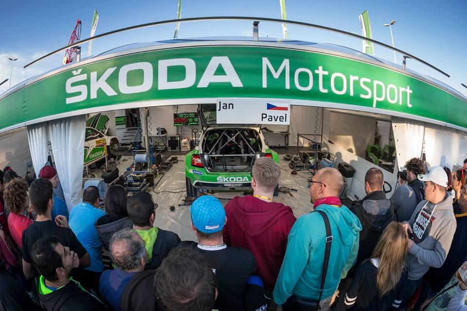 ASPHALT EXPERT KOPECKÝ TAKES THE TOP POSITION IN ŠKODA DUEL