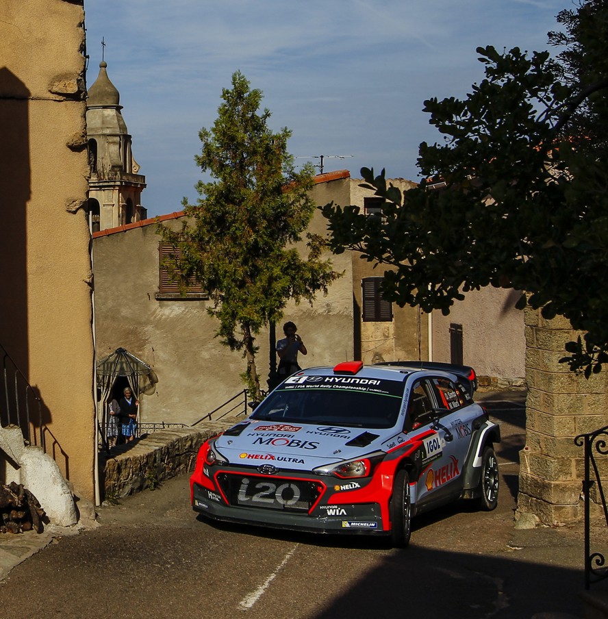 HYUNDAI MOTORSPORT CHASES CORSICAN PODIUM AS NEUVILLE STRENGTHENS GRIP ON SECOND