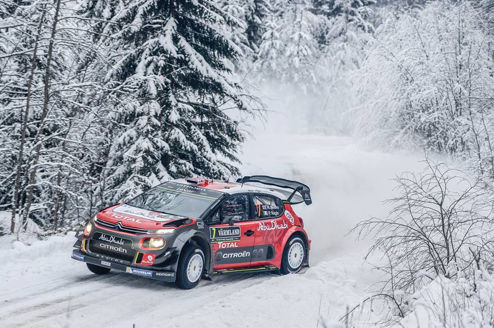 KRIS MEEKE MIXES IT WITH THE LEADERS
