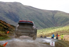 HYUNDAI SHELL WORLD RALLY TEAM:MAKES SOLID IMPROVEMENTS ON DAY 2 OF WALES RALLY GB