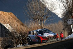 FIA WORLD RALLY CHAMPIONSHIP (WRC 2016): HYUNDAI MOTORSPORT BATTLES THROUGH DIFFICULT FRIDAY IN MONTE-CARLO
