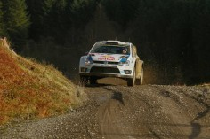 VOLKSWAGEN MOTORSPORT WRT: QUICK MIKK AND SUPER SÉB-WORLD CHAMPION* LEADS AFTER A DRAMATIC DAY IN WALES