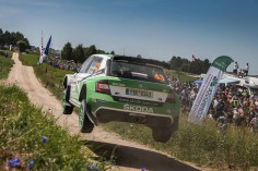 FIA WORLD RALLY CHAMPIONSHIP (WRC2 – 2015): ŠKODA MOTORSPORT – ONE-TWO LEAD DEFENDED ŠKODA DRIVERS KEEP A COOL HEAD IN THE HEAT