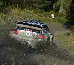 FIA WORLD RALLY CHAMPIONSHIP (WRC 2015): WALES RALLY GB – VOLKSWAGEN RED BULL MOTORSPORT – TWO POLO R WRC LEAD THE WAY IN THE SHAKEDOWN – VOLKSWAGEN ENYOYS PROMISING START TO THE RALLY GREAT BRITAIN