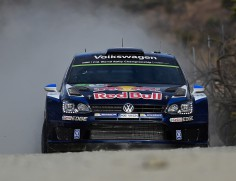 FIA WORLD RALLY CHAMPIONSHIP (WRC) 2015: A CHAMPION'S PERFORMANCE – OGIER LEADS THE RALLY MEXICO IN A POLO R WRC